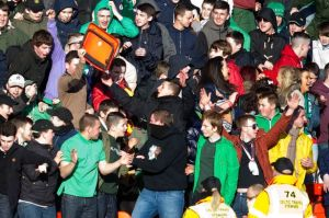 16357287_29-04-13-GLASGOW-CUP-FINAL-CELTIC-U17-v-RANGERS-U17-FIRHILL-GLASGOW-Celtic-fans