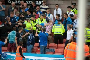 Police wade into the fighting Dundee United and Dynamo Moscow fans-1210006-