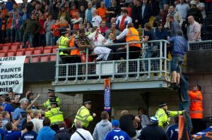Violence breaks out between Dundee United and Dynamo Moscow fans-1209993