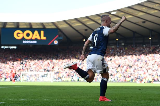 THE MAN THE BHEASTS CAN'T TAME